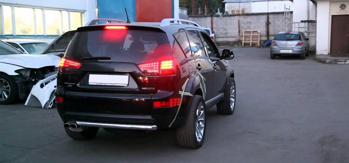 Mitsubishi Outlander XL 3.0, Мицубиси Аутлендер Икс Эль 3.0, Митсубиси Аутлендер Икс Эль 3.0