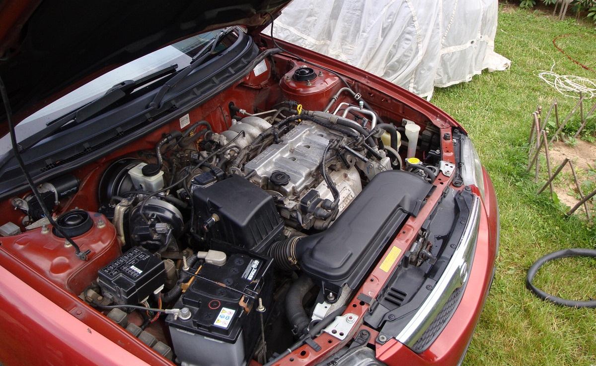 Мыть двигатель