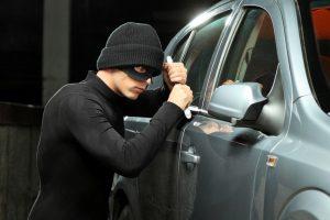Как обезопасить машину от угона