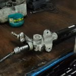 Признаки неисправности рулевой рейки и способы ремонта